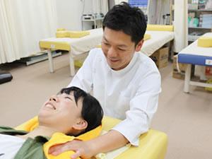 ムチウチ治療ならこばやし鍼灸整骨院グループへ!